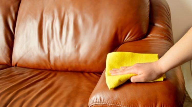 Deri koltuk nasıl temizlenir?