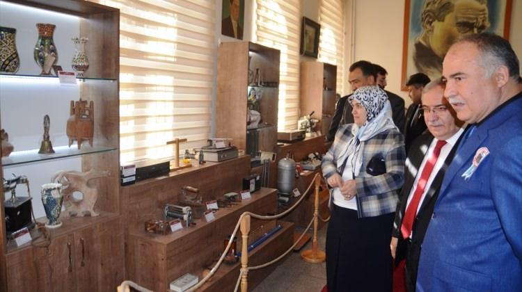 """""""Taş mektep""""te Eğitim Tarihi Müzesi açıldı"""