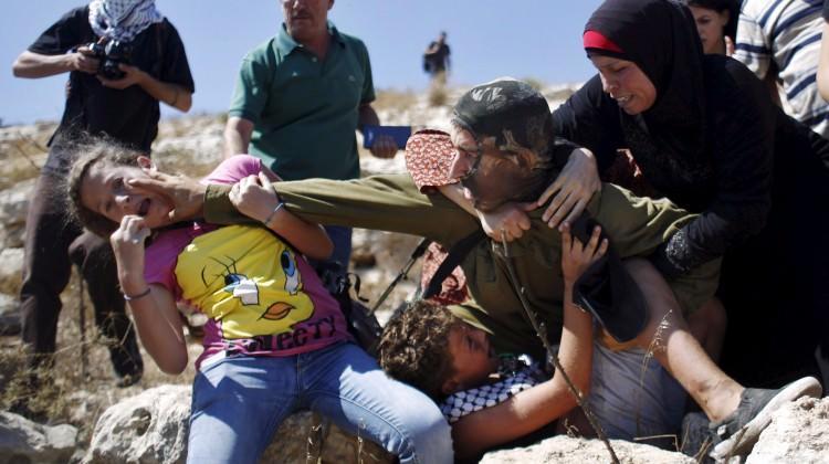 İsrail hapishanelerinde 300 çocuk bulunuyor