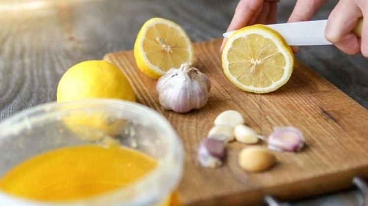 Limon suyunu sarımsakla tüketmenin faydaları