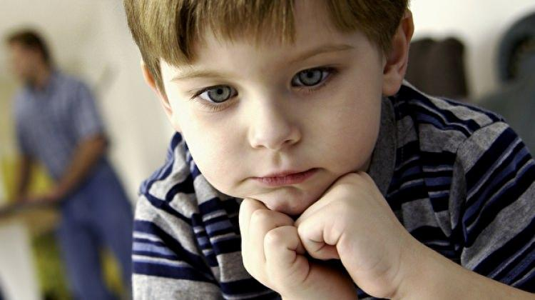 Stresli olan bir çocuğa aileler nasıl yaklaşmalı?