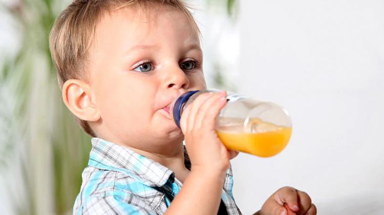 Ateş ve ishali olmayan çocuklarda kusma: nedenler ve gerekli tedbirler
