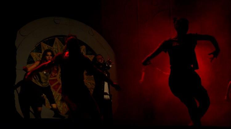 """""""Notre Dame-Quasimodo Müzikali"""" Bursa'da sahnelendi"""