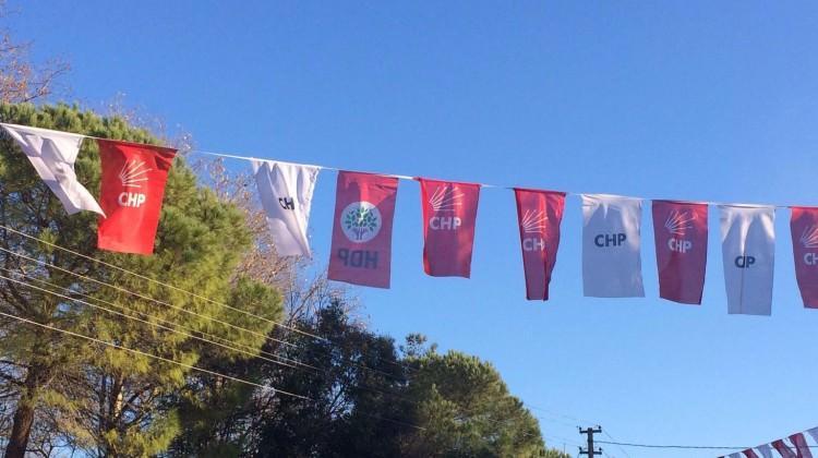 CHP ve HDP bayrağı yan yana!