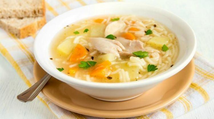 Tavuk suyu çorba ile hastalıklara son! Mucize faydaları...