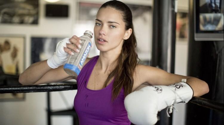 Adriana Lima'nın formunu koruma sırrı