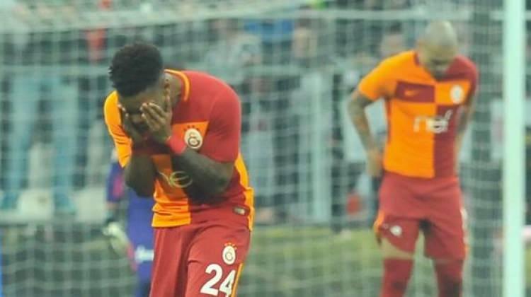 Galatasaray'da şok! Gözyaşlarıyla çıktı