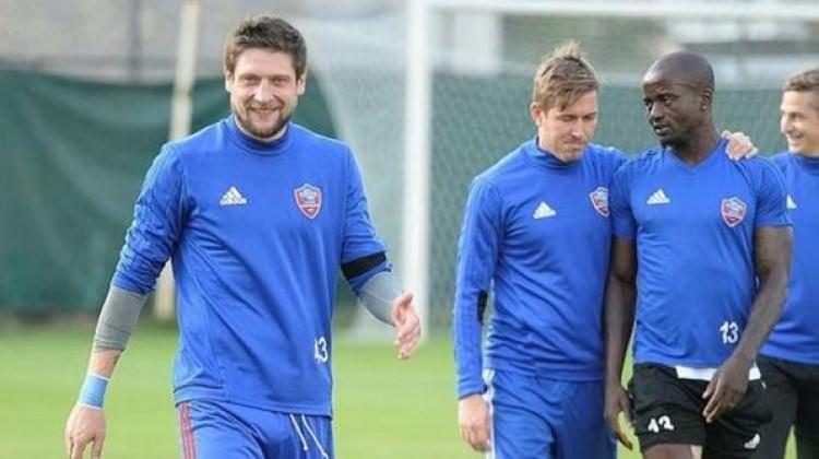Seleznov Karabükspor'dan ayrıldı