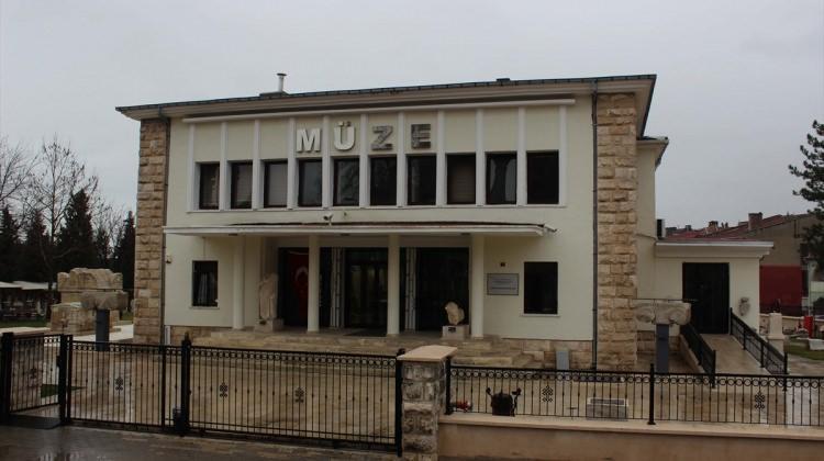 Serhat kente gelen müzeleri es geçmiyor