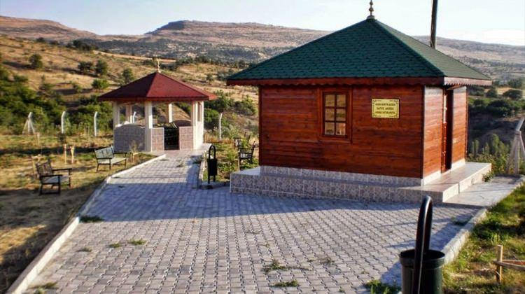 Ankara'daki Kasım Dede türbesi ve mescidi onarıldı