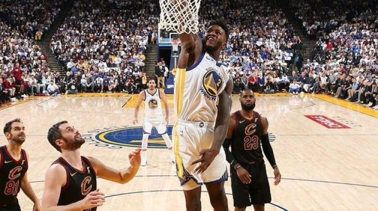 Gecenin maçında Warriors, Cavaliers'ı devirdi!