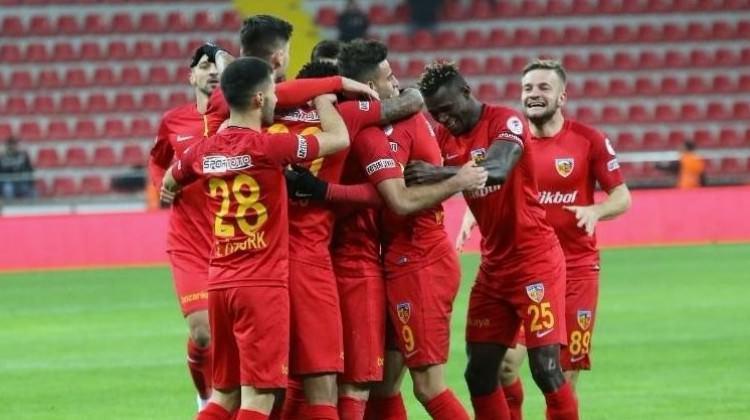 Kayseri'deki olaylı maçta 4 gol 2 kırmızı kart!