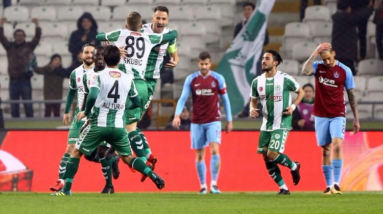 Konyaspor, Trabzon'u yıktı avantajı kaptı!