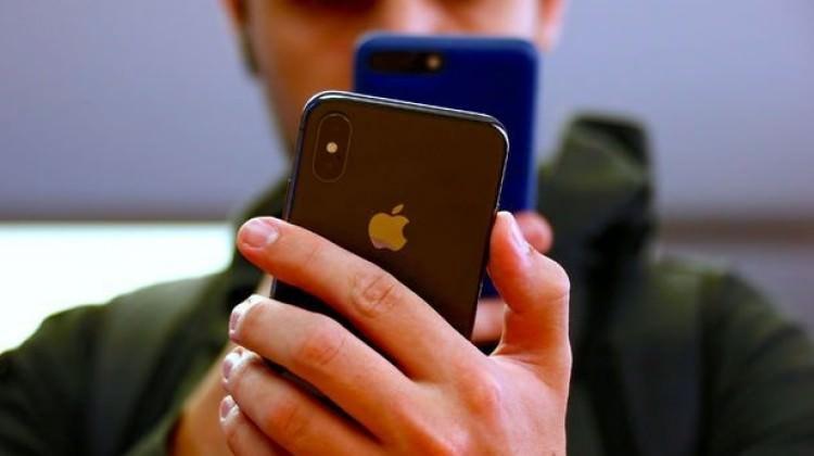 Apple'a dava açtı: 999 milyar dolar istiyor!