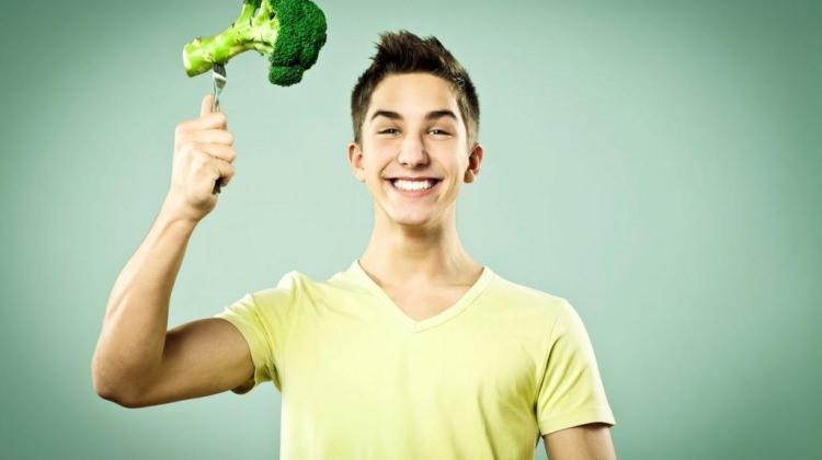 Ergenlik döneminde nasıl beslenilmeli?