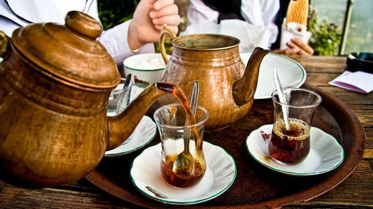 Çay demi göze sürülür mü