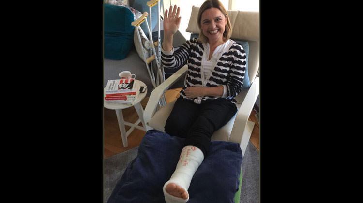 CHP Milletvekili ayağını kırdı