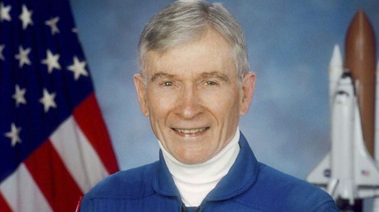 Efsanevi NASA astronotu hayatını kaybetti