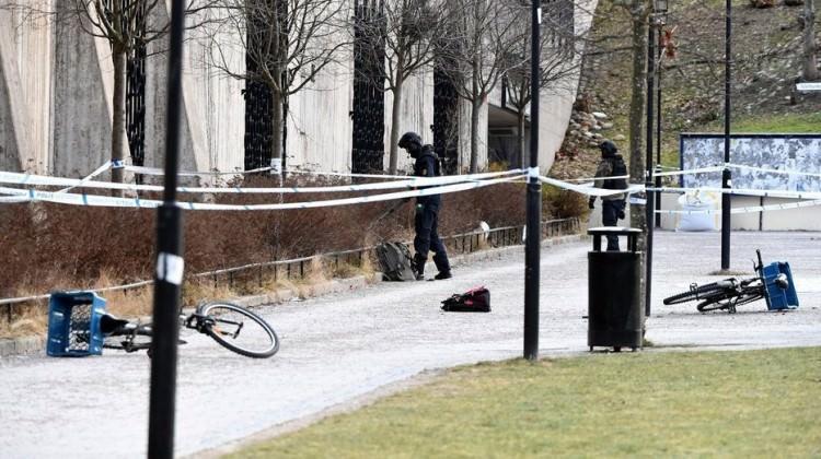 İsveç'te metro istasyonunda patlama! El bombası...