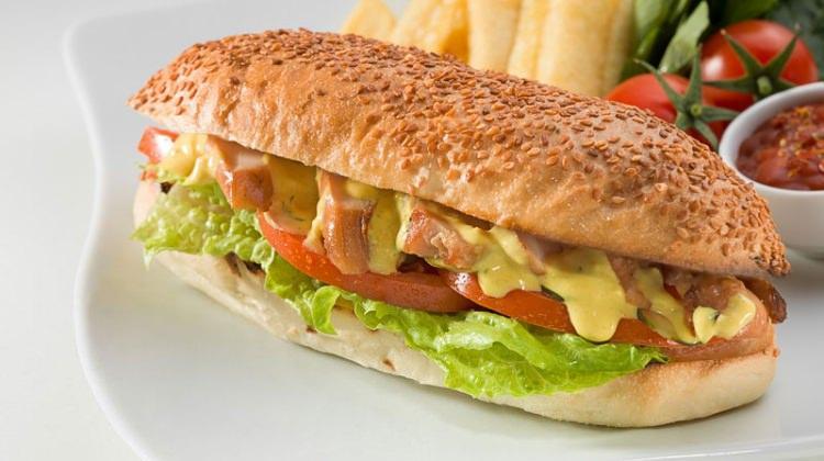 Kolay, hızlı ve lezzetli Tavuklu Tost nasıl yapılır? Tavuklu tost tarifi!
