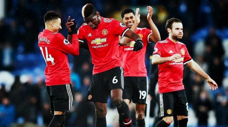 Manchester United Everton'ı yıktı