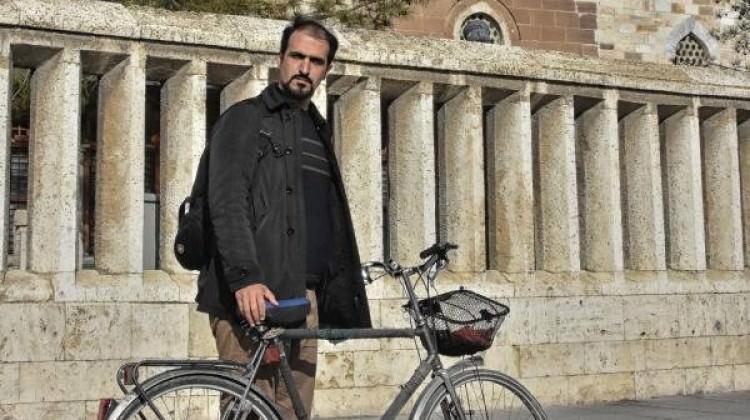 Mevlana için İran'dan Konya'ya bisikletle geldi