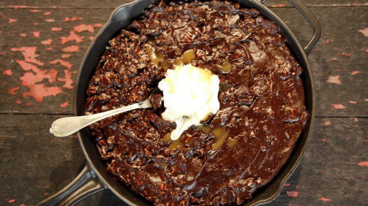 Tavada Çikolatalı Kek nasıl yapılır? Tavada Çikolatalı Kek tarifi