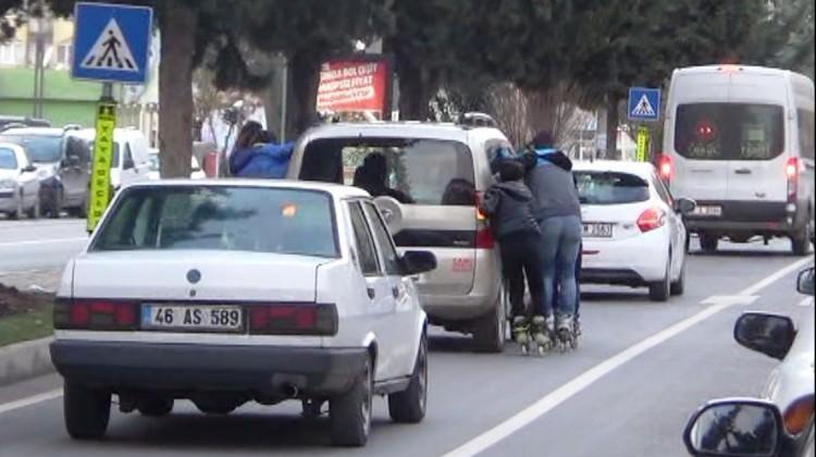 Trafikteki tehlikeli oyuna ceza kesildi!