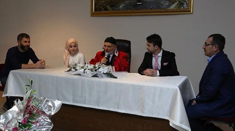 Bayburt'ta müftü ilk kez nikah kıydı