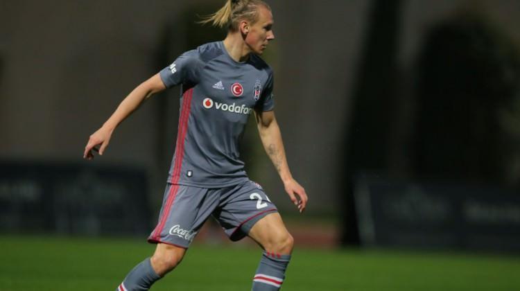 Beşiktaş hazırlık maçında geriden geldi!