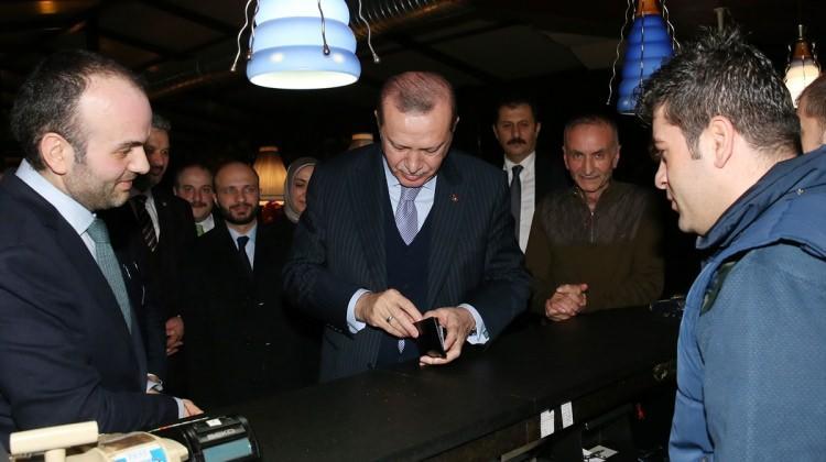 Cumhurbaşkanı Erdoğan ünlü çorbacıyı ziyaret etti
