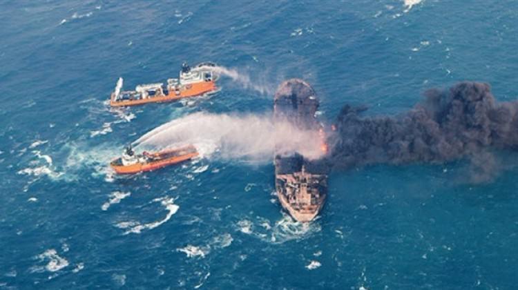 Petrol tankeri patlamaya devam ediyor! Alevler...