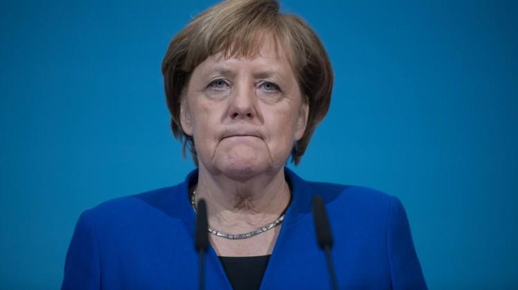 Merkel'den Türkiye'ye Afrin operasyonu çağrısı