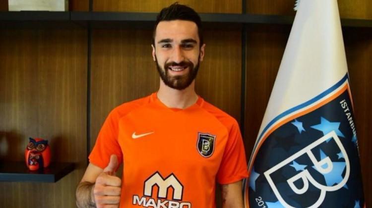 Başakşehir yeni transferini resmen açıkladı!