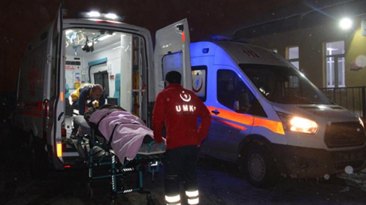15 yolcu kapasiteli minibüs devrildi: 33 yaralı