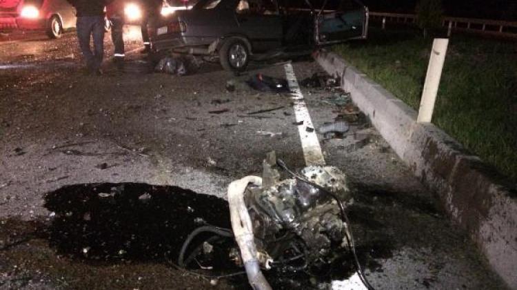 Ayvalık'taki kazada 2 kişi öldü, 2 kişi yaralandı
