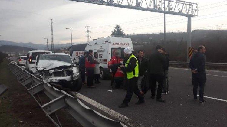 Cip dinlenme tesisinden çıkan otomobile çarptı