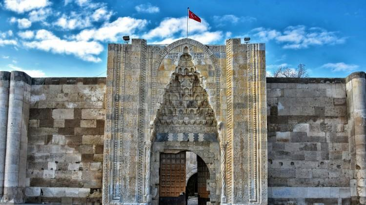 tarihi yapı