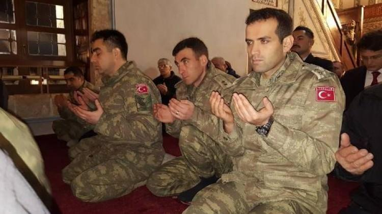 Kosova'da Afrin şehitleri için eller semaya kalktı