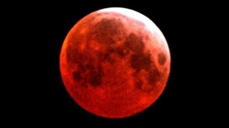 Bu akşam saat 18.34'te Ay'a bakmayı unutmayın