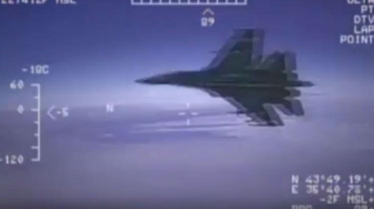 Karadeniz'de yüksek gerilim! Rusya ABD uçağını...