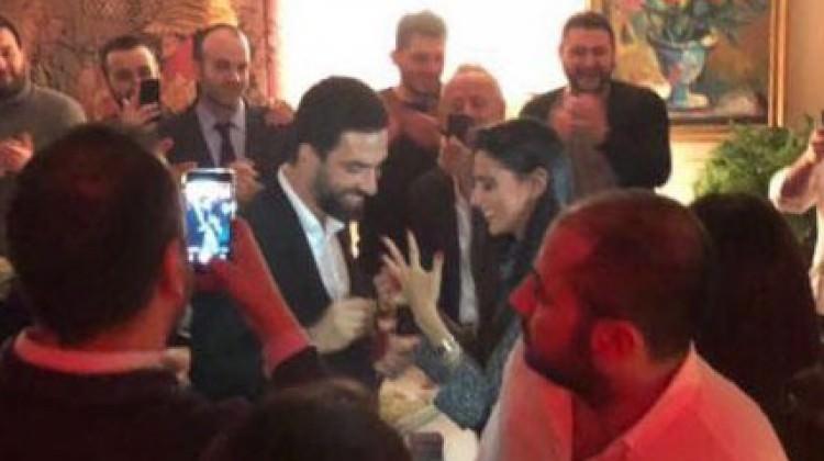 Arda Turan'dan evlilik teklifi