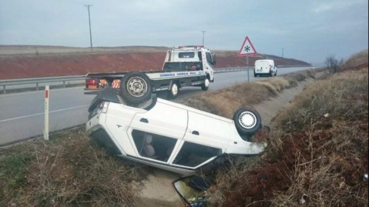 Çorum'da otomobil şarampole devrildi: 6 yaralı