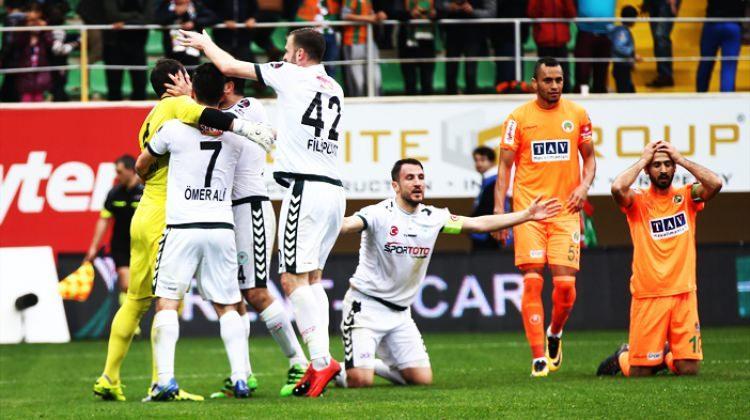 Çılgın maç! 3 gol, 2 penaltı, 1 kırmızı kart
