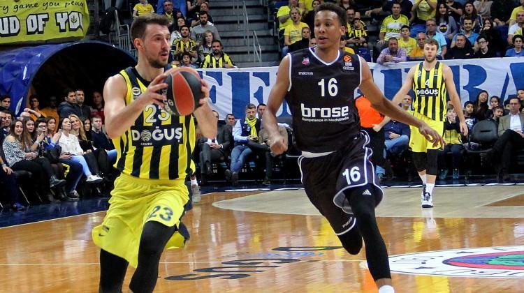 Fenerbahçe Doğuş'u Jan Vesely uçurdu!