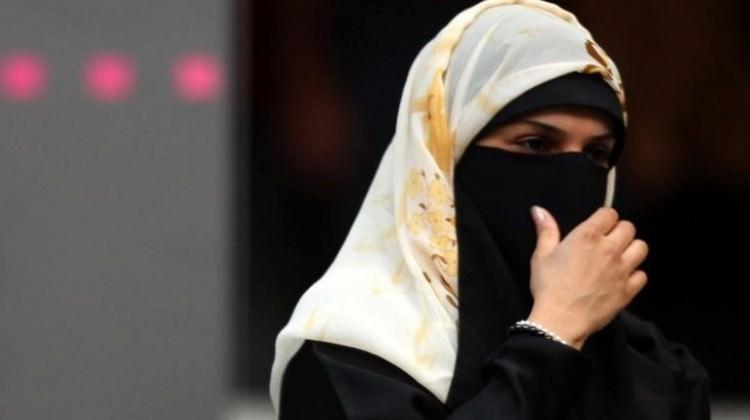 Fransız iş adamı 'burka cezalarını' ödedi!