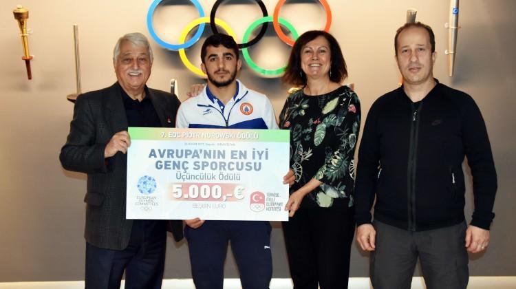 İBB'nin milli sporcusu Avrupa'nın en iyisi seçildi