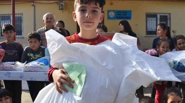 İlkokul öğrencisinden Afrin'e duygulandıran hediye