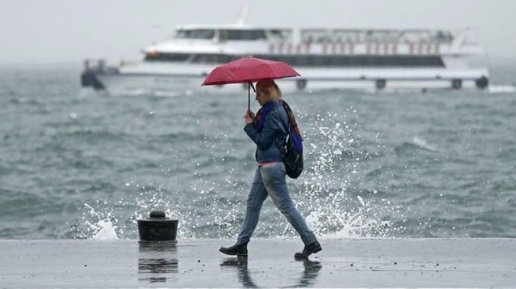 Meteoroloji saat verdi! İstanbul'da sağanak yağış