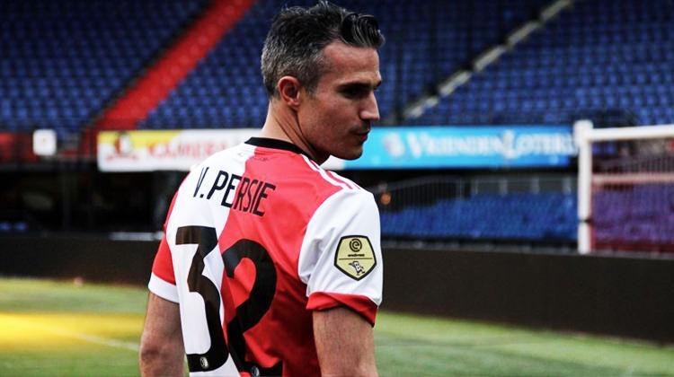 Van Persie'ye bir şok da Feyenoord'dan!
